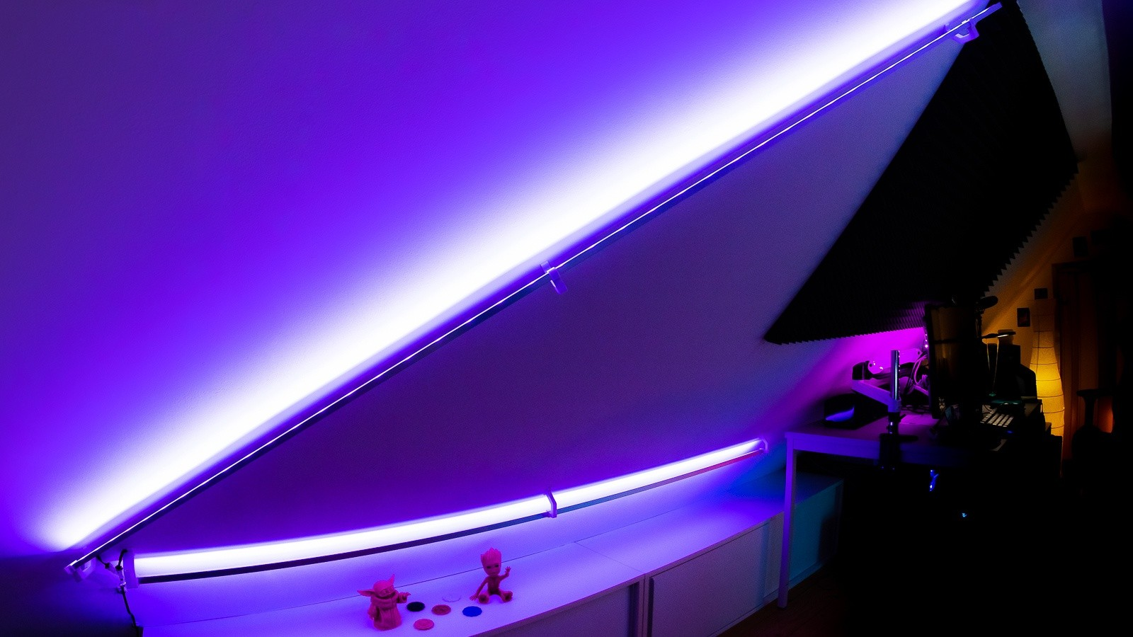 LED-Strip Profil an Dachschräge